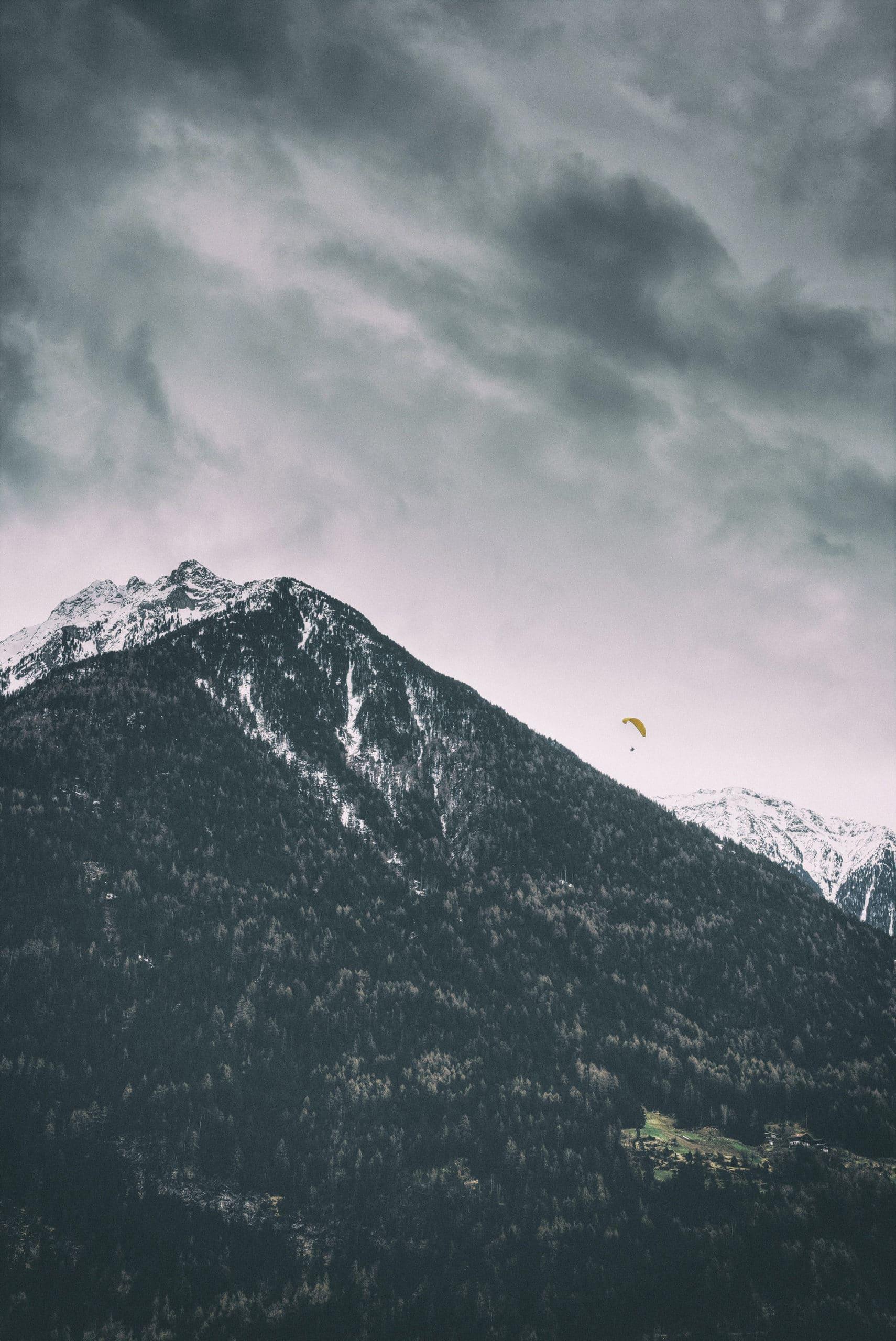 paragliding Courchevel