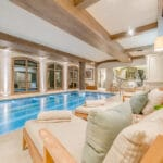 Chalet Shemshak swimming pool and spa