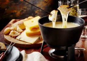 Fondue and restaurants in Courchevel